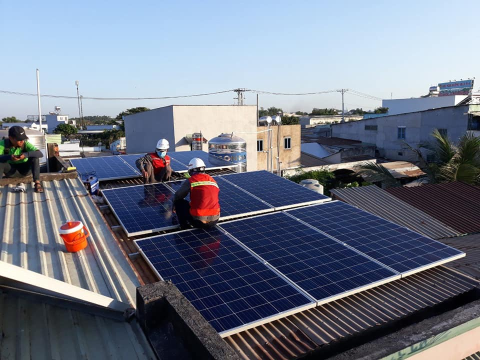 Có nên đầu tư hệ thống pin mặt trời hòa lưới