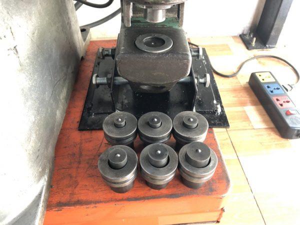 Máy Đột Lỗ Thuỷ Lực Ai Zer AH2-DS 3 Pha Nguồn Rời Hàng Nhật Bãi 03