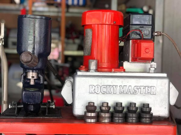 Máy Đột Lỗ Thuỷ Lực ROCKY MASTER 1624 001